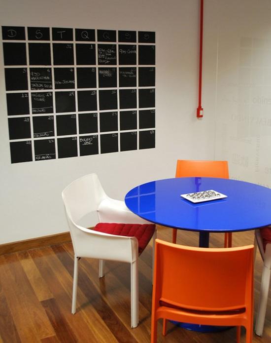 arte-no-escritorio-calendario-de-parede