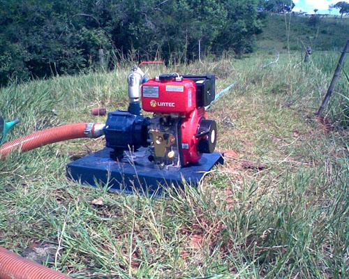 Motobomba-usada-para-irrigação
